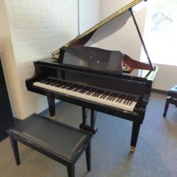Yamaha GB1K Grand Piano 5'