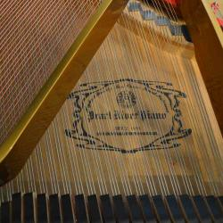 Baby-grand-piano-in-excellent-condition-1