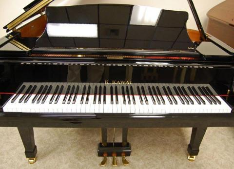 Kawai model KG 2E Grand Piano